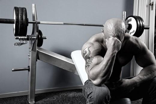 Lutter contre le surentraînement en musculation
