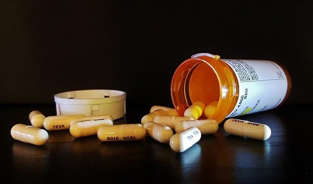 médicament anti douleur côte